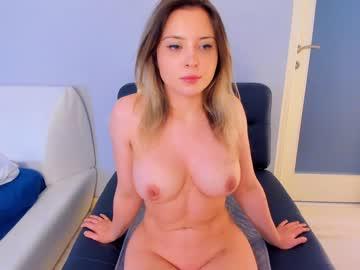 https://roomimg.stream.highwebmedia.com/ri/kittycaitlin.jpg?1597277040