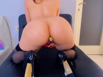 https://roomimg.stream.highwebmedia.com/ri/kittycaitlin.jpg?1597464270