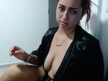 kylee_jill19's chat room