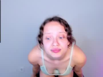lilkrystal at Chaturbate