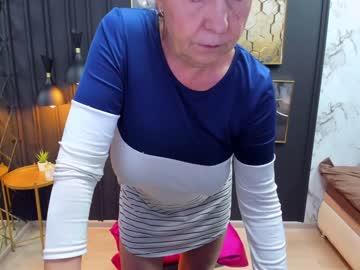 lindahottie's chat room