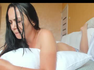 miss anna   un can find me as soft_boobies  to