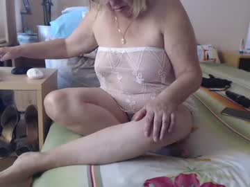 #pm15 #lovense #hairy-pussy35 t #boobs25t #mature #ass 30t #legs #feet 10 #nude 80 #dildo.. [110 tokens remaining]