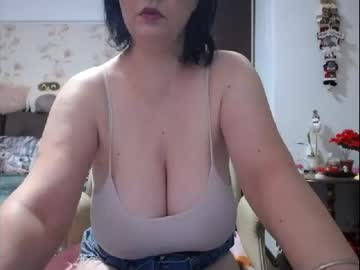 mary_x's chat room