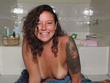 https://roomimg.stream.highwebmedia.com/ri/nellebeachgirl.jpg?1594068750