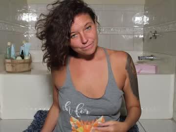 https://roomimg.stream.highwebmedia.com/ri/nellebeachgirl.jpg?1594069710