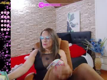 paris27_'s chat room