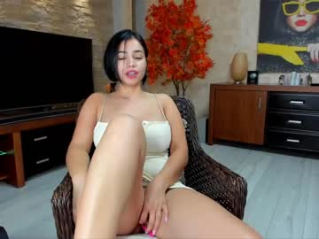 raquelle_star's chat room
