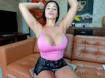 https://roomimg.stream.highwebmedia.com/ri/raquelle_star.jpg?1553431170