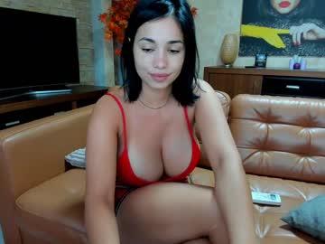 https://roomimg.stream.highwebmedia.com/ri/raquelle_star.jpg?1571565180