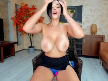 https://roomimg.stream.highwebmedia.com/ri/raquelle_star.jpg?1574326620