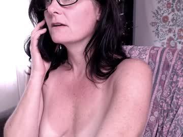 raven_featherschr(92)s chat room