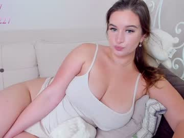 roxxana227's chat room