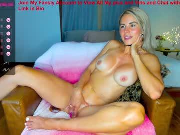 https://roomimg.stream.highwebmedia.com/ri/sexxylaurab.jpg?1558370910