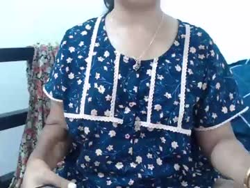 Blushing escort Niharika (Sexyniharika) quietly bangs with calm toy on sex chat