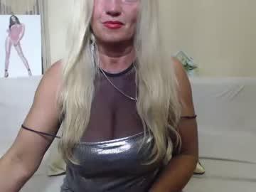 truefoxyyy's chat room
