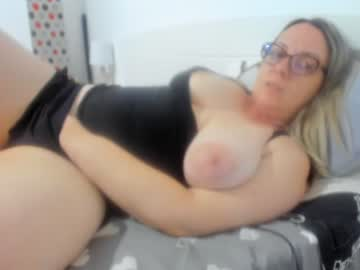 Watch wetladyjoy free live cyber sex show