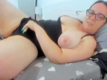 Watch wetladyjoy live adult cam show