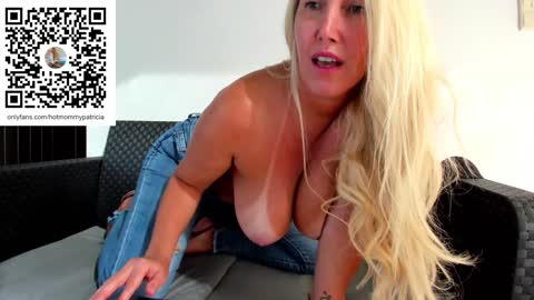 angel_danm_milf's chat room