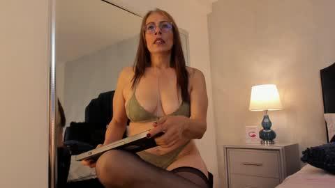 besha_moore's chat room