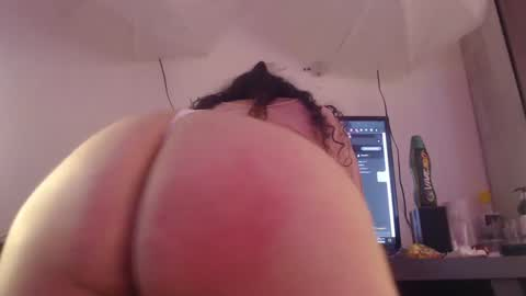 evelyn_harmond's chat room