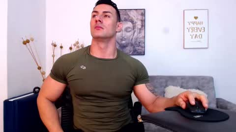fitderek_muscleandrew's chat room