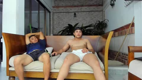 heteros_men's chat room