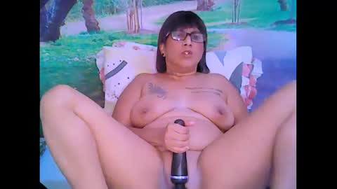 indianroxy69's chat room