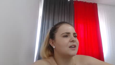 sarajacobss's chat room
