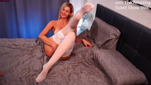 sexy_couple_show's chat room