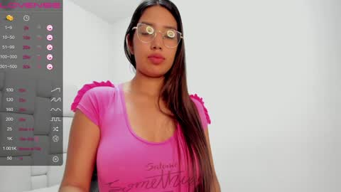valentina_marval's chat room